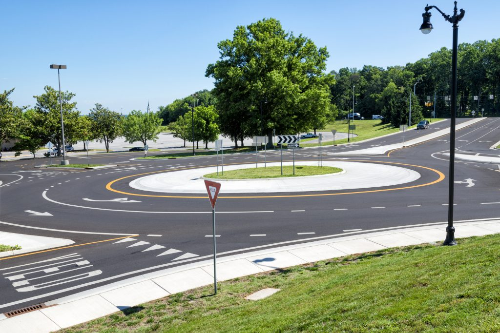 A photo of a traffic roundabout, which is often a confusing place to figure right of way for drivers.